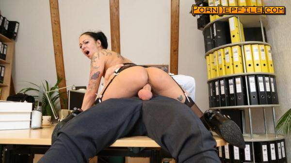 BumsBuero: Mareen Deluxe - Mischievous German secretary gets cum on pussy after raunchy fuck with boss (SD, Brunette, Milf) 480p