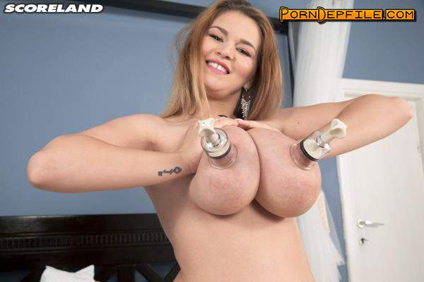 PornMegaLoad,Scoreland: Erin Star - Super Star Drops Her Bra (Natural Tits, Masturbation, Blonde, Big Tits) 720p