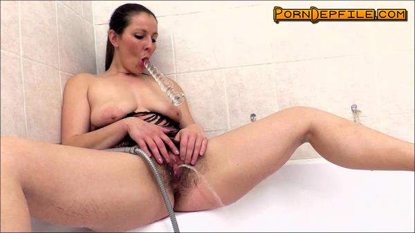 WeAreHairy: Valentina Ross - 35 Years Old, Czech Republic (Masturbation, Hairy, Solo, Pissing) 720p
