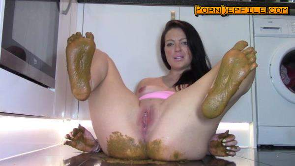 ScatShop: Evamarie88 - Huge Shit And Shitty Feet (Scat) 1080p