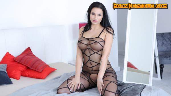 VirtualTaboo: Jolee Love - Curves And Toys (Masturbation, Solo, Big Tits, VR) 960p