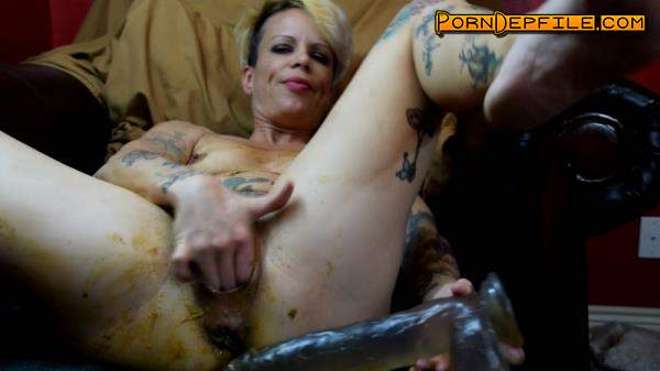ScatShop: Juicy Julia - Shitty Prolapse and Piss (Scat) 1080p