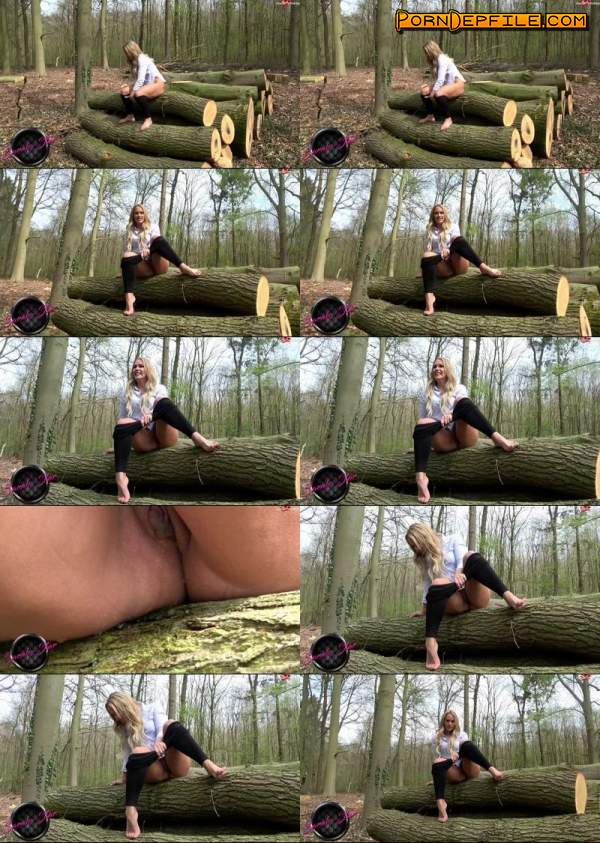 MDH: Sarah-Star - Outdoor einfach mal gepisst (Outdoor, Germany, Pissing, MyDirtyHobby) 720p
