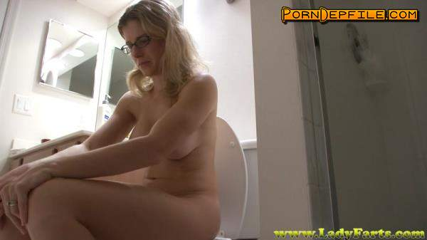 LadyFarts: Cory Chase - Loose in the morning dirty (Scat) 1080p