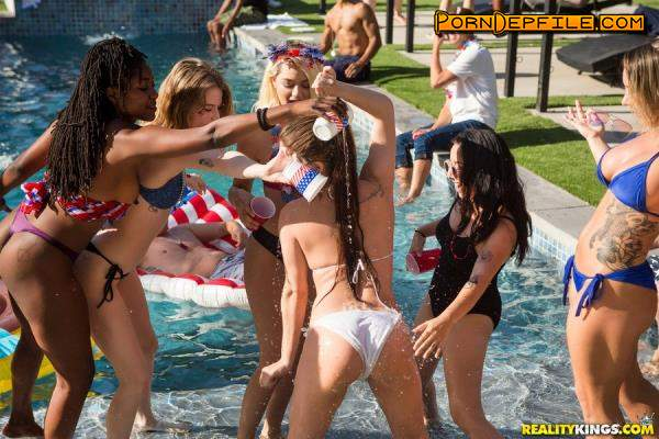RKPrime, RealityKings: Cali Carter, Jojo Kiss, Ember Snow - Bone On The Fourth Of July (Cumshot, Big Tits, Lesbian, Threesome) 432p