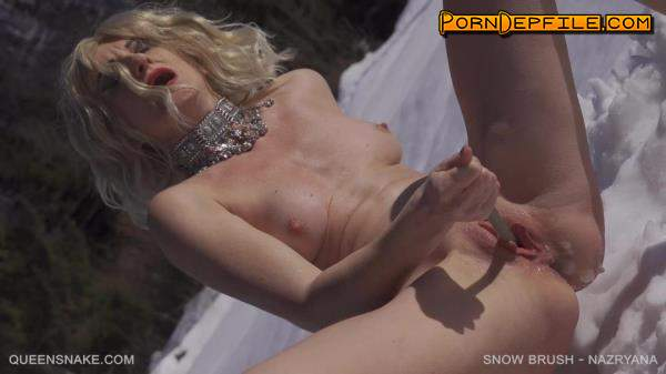 QueenSnake: Nazryana - Snow Brush (Outdoor, Fetish, BDSM, Fisting) 1080p