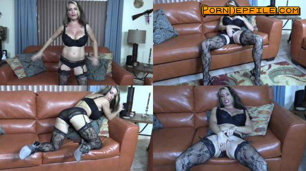Clips4sale: Goldie Blair - Mummys Valentine (Big Tits, Fetish, Incest, Facesitting) 540p