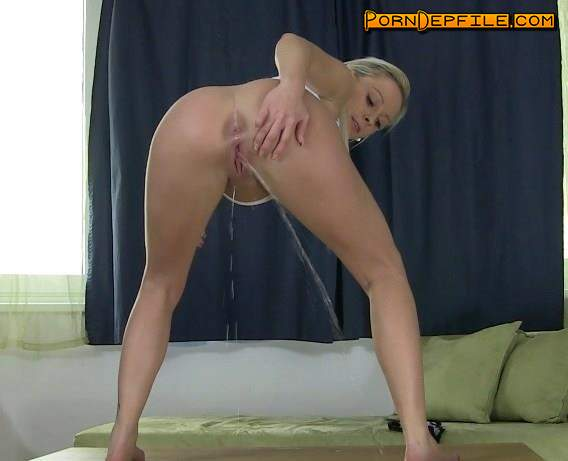 LoveWetting: Naomi - Pissing scene   (HD Porn, FullHD, Solo, Pissing) 1080p