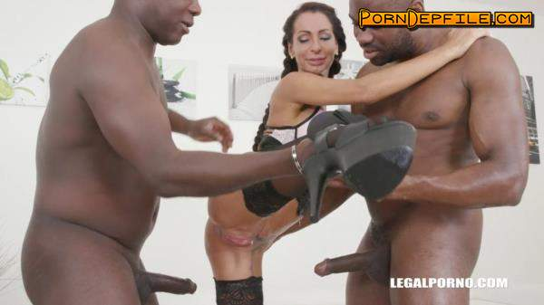 LegalPorno: Valentina Sierra, Joachim Kessef, Darnell Black - Valentina Sierra is coming to get pissed on IV318 (Milf, Interracial, Anal, Pissing) 720p