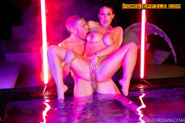 JulesJordan: Angela White - Dark Seduction, Fucks Under Neon Lights At Night (Deep Throat, Facial, Brunette, Big Tits) 558p