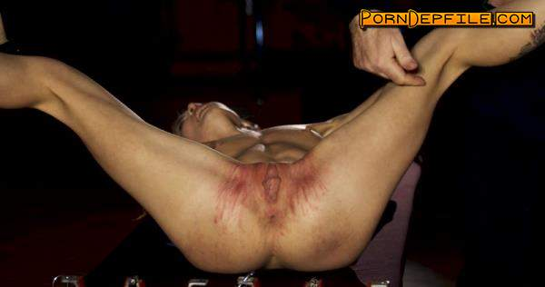 Graias: Lovenia Lux - A Strong Chick Struggle With Herself And With Part 1 (BDSM, Spanking, Torture, Humiliation) 2160p