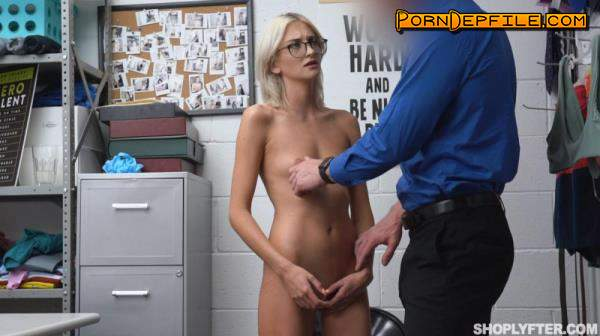 Shoplyfter, TeamSkeet: Tallie Lorian - The Cashier Scam (Small Tits, Blonde, Mature, Teen) 480p
