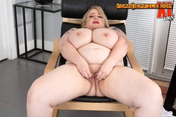 ScoreHD, PornMegaLoad, XLgirls: Oxana Minsk - Thick Thighs Save Lives (BBW, Solo, Russian, Big Tits) 2160p